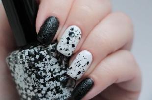 Рисунки точками на ногтях, модный черно-белый маникюр на длинные ногти