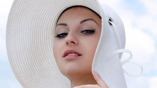 Легкий макияж для серых глаз, легкий макияж для пляжа