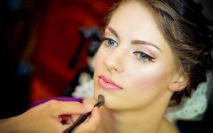Макияж под фиолетовое платье, свадебный макияж для голубых глаз со стрелками