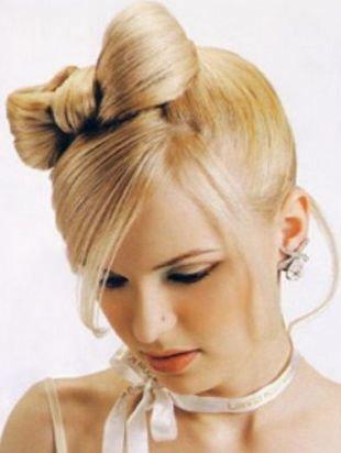 Прически на бок на средние волосы, прическа бант из волос спереди