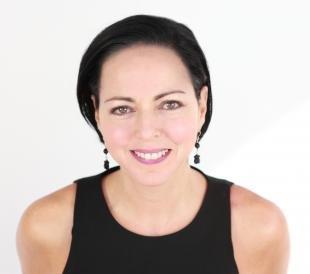 Возрастной макияж, повседневный возрастной макияж для темноволосой женщины