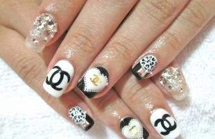 Черно-белый дизайн ногтей, черно-белый дизайн ногтей в стиле шанель