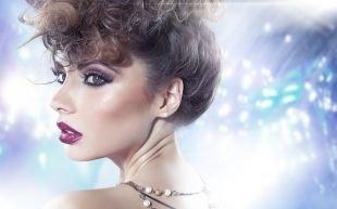 Прически в стиле 60 х годов, смелая вечерняя прическа на средние и длинные волосы