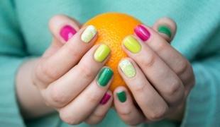 Кружевные рисунки на ногтях, цветной дизайн ногтей