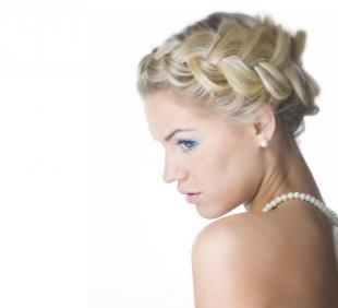 Цвет волос скандинавский блондин, свадебная прическа для тонких волос