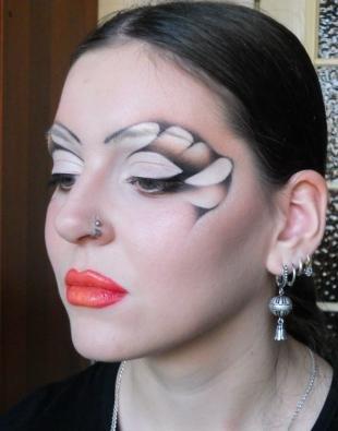 Карнавальный макияж, художественный макияж в карандашной технике
