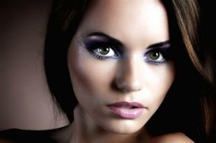 Вечерний макияж под синее платье, шикарный макияж для серых глаз