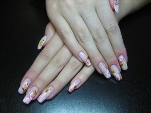 Китайская роспись ногтей, флористический маникюр на 8 марта