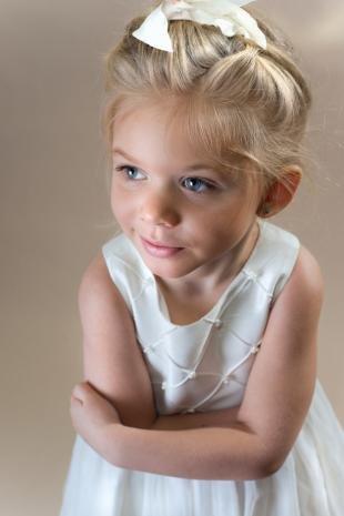 Песочный цвет волос, прическа на день рождения для девочки