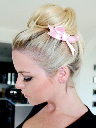 Цвет волос теплый блонд, прическа куклы барби на новый год