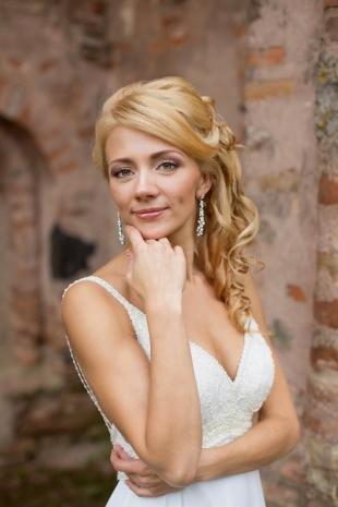 Свадебный макияж для круглого лица, свадебный макияж для широко поставленных глаз