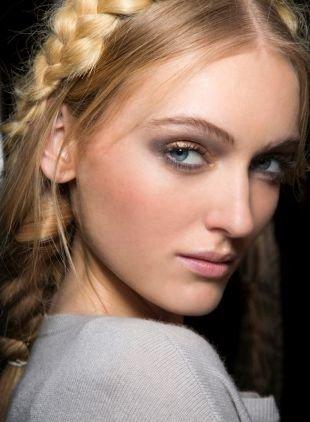 Макияж на выпускной для блондинок, макияж на 1 сентября в естественных тонах