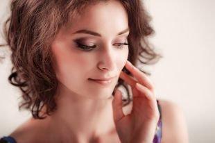 Макияж для увеличения глаз, стильный дымчатый макияж на каждый день