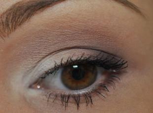 Коричневый макияж, макияж для каре-зеленых глаз с использованием матовых теней