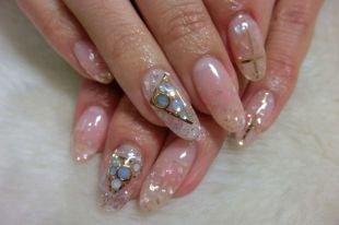 Маникюр на Новый год, дизайн ногтей с блестками, фольгой и камнями