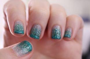 Дизайн ногтей с блестками, градиентный маникюр в морском стиле