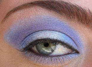 Клубный макияж, сиреневый макияж для серо-голубых глаз