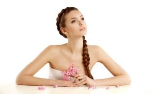 Прически на 9 мая на длинные волосы, прическа с косой в деловом стиле