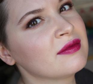 Яркий макияж для брюнеток, легкий вечерний макияж с розовой помадой