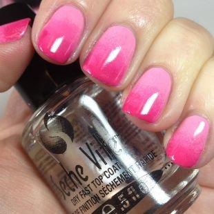 Маникюр разными лаками, малиново-розовый градиентный маникюр