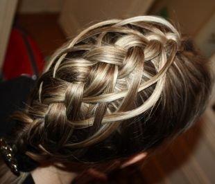 Прическа коса в косе, прическа на основе французской косы