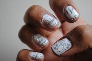 Рисунки на белом ногте, газетный черно-белый маникюр