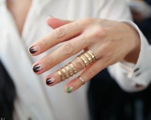 Маникюр на коротких ногтях, оригинальный френч на короткие ногти