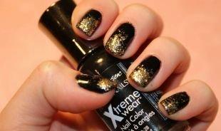 Черный дизайн ногтей, черный маникюр с золотыми блестками