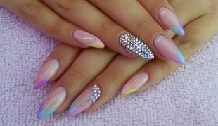 Радужный френч цветными гелями, летний маникюр для острых ногтей