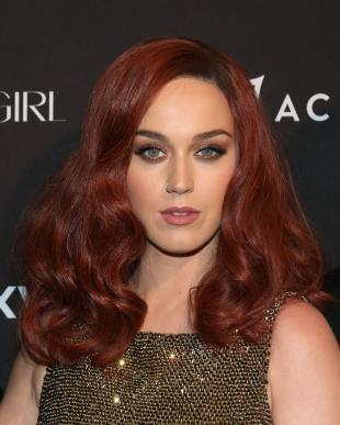 Красно коричневый цвет волос, насыщенный медный цвет волос
