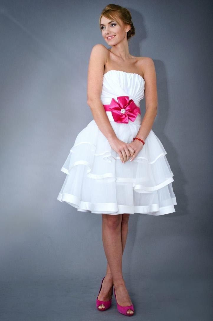 Украсить платье лентами