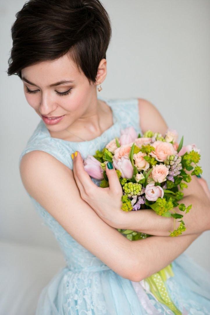 Свадебные прически на короткие волосы, сдержанный минимализм
